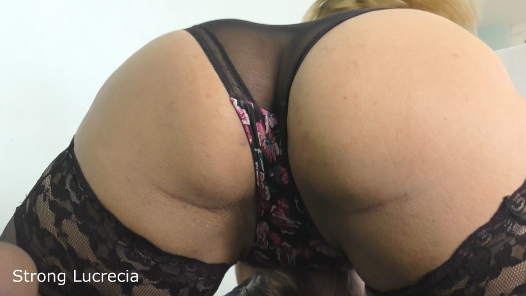 czech amazon lucrecia big ass